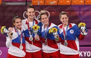 Добавились три серебряных и две бронзовых медали.