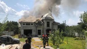 Семья спортсменки успела покинуть здание, однако в пожаре сгорели все вещи и имущество.