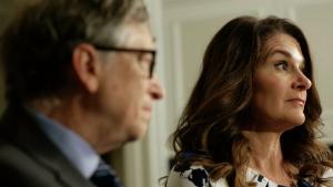 Гейтс входит в пятерку богатейших бизнесменов, состояние его семьи оценивается в 130 миллиардов долларов.