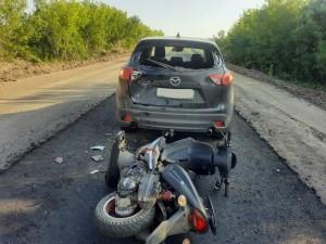 В Красноярском районе подросток на скутере врезался в автомобиль