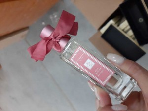 12,5 тысяч немаркированных флаконов известного парфюма задержано самарскими таможенниками
