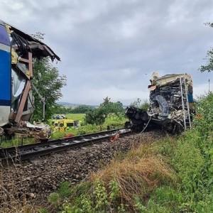 Россиян среди погибших и пострадавших при столкновении поездов в Чехии нет.