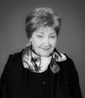 За годы театральной службы актриса сыграла более 50 ролей.