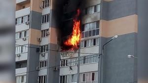 В самарском Волгаре тушили крупный пожар в квартире
