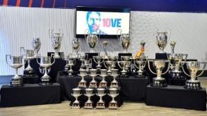 «Барселона» выставила все трофеи Месси на прощальной пресс-конференции.