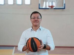 Сегодня день рождения отмечает губернатор Самарской области Дмитрий Азаров