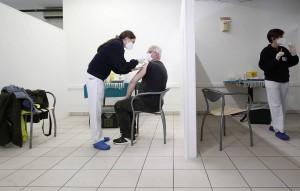 В исследовании препарата приняли участие более чем 5 тыс. человек, отметил представитель Института по социальной безопасности республики Франко Кавалли.