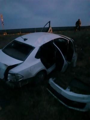 В Красноярском районе иномарка врезалась с дорожный знак и перевернулась