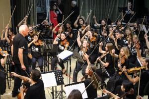 Проект исследует феномен зарождения и бытования классической музыкальной культуры в новом промышленном городе России.