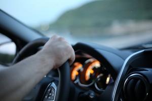 84% автолюбителей Самарской области пользуются телефоном за рулем