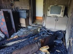 Предварительная причина пожара – неосторожное обращение с огнем при курении.