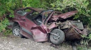 ВАЗ 2109 на большой скорости столкнулся в попутном направлении с прицепом грузового автомобиля.