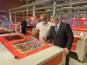 ООО «ВЭЛТ» развивает массовое производство по созданию пазлов.