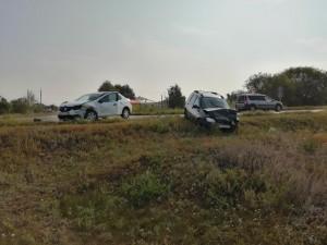 Пострадали оба водителя автомобилей. Они были госпитализированы.