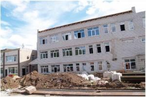 В трехэтажном помещении будут размещены женская консультация, детское и стоматологическое отделение.