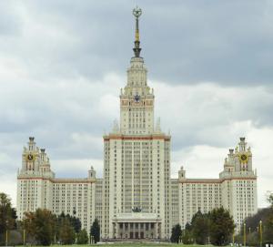 В опубликованном на сайте центральной приемной комиссии МГУ приказе о зачислении на факультет психологии имя девочки отсутствует.