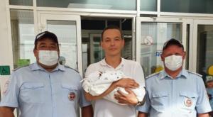 Благодаря своевременно оказанной помощи инспекторов ДПС и медиков, через месяц у пары родился здоровый ребенок.