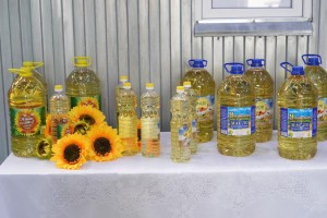 Губернатор обсудил перспективы развития маслозаводас руководством предприятия.