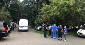 До трех человек увеличилось количество погибших в результате взрыва гранатыв квартире на северо-западе Москвы. Об этом сообщил источникРЕН ТВ.