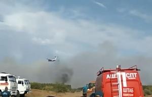 Для усиления группировки сил к месту пожара были направлены 3 пожарных поезда, а также спланировано применение авиации МЧС России.