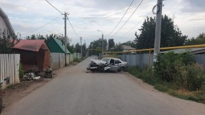 В Самаре водитель врезался в гараж