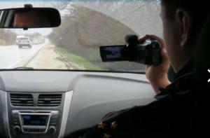 Сотрудники спецроты еженедельно осуществляют скрытое патрулирование на автодорогах области.