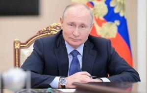 Путин подписал указы о единовременной выплате пенсионерам в 10 тысячрублей.