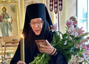 Онаушла в Троице-Одигитриевский ставропигиальный женский монастырь.