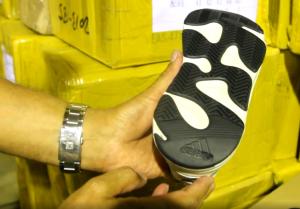 В Самарской области задержали 13 тысяч пар контрафактных кроссовок