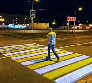 В Самаре на Московском шоссе установили первые проекционные пешеходные переходы