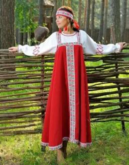 Основу выставки составят шесть женских костюмов Ярославской, Тверской, Архангельской, Олонецкой, Брянской и Белгородской губерний.