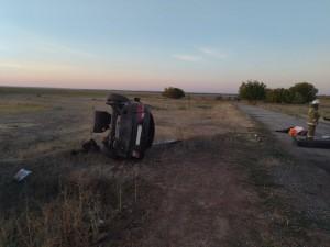 В Хворостянском районе перевернулась машина, четверо пострадали