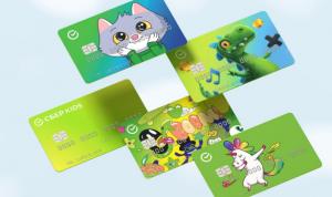 Детская карта позволяет ребёнку в возрасте с 6 до 14 лет расплачиваться в онлайн- и офлайн-магазинах, а родителю — контролировать его расходы.