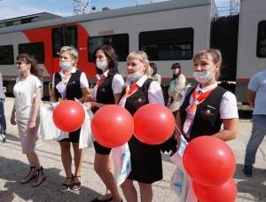 Пригородный поезд «Ласточка» соответствует всем стандартам безопасности и эргономики, оснащен системами автоведения и видеонаблюдения.