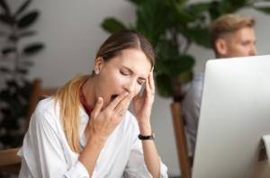 До сих пор ученые точно не знают, сколько времени нужно человеку для полного восстановления после длительного периода регулярного недосыпания.
