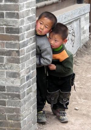 Китайским семьям разрешили заводить третьего ребенка