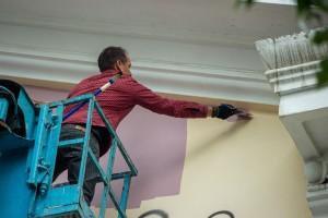 Еще два художника начали рисовать муралы в центре Самары.
