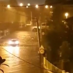 На Францию обрушился шторм.