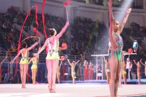 Завершением фестиваля стал масштабный гала-концерт, который состоялся сегодня вечером в стенах тольяттинского ледового дворца спорта «Лада-Арена».