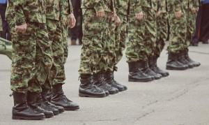 Выплаты военным будут увеличивать сверх инфляции до 2023 года