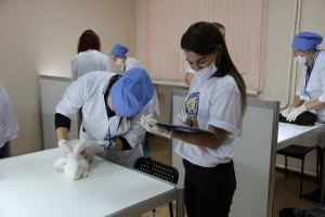 Первое место занял Александр Шубанёв из Самарской области, второе - Наталья Иванова из Томской, третье - Виктория Умникова из Смоленской области.