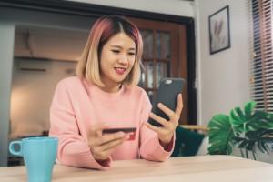 Теперь для пользователей сервиса доступны товары и услуги от Билайн, включая новинки среди смартфонов, аксессуары и SIM-карты оператора.