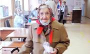 100-летняя жительницаОтрадного приняла участие в голосовании