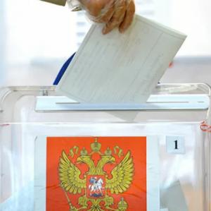 В аэропорту Курумоч открыт свой избирательный участок.