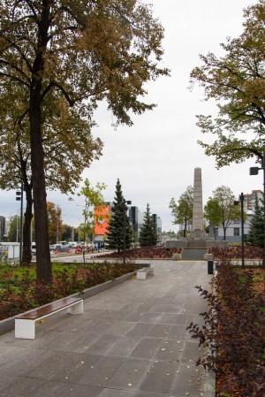 Сад Баланса сочетает природное и культурное начало. Для озеленения разработан специальный дендроплан.