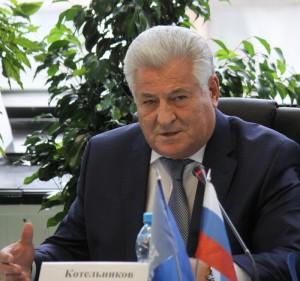 """Председатель Самарской губернской думы уверен, что лозунг """"За чистые и честные выборы"""" полностью претворен в жизнь."""