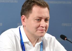 Его обвиняют в даче взятки в размере 7 миллионов рублей и в хищении в особо крупном размере.