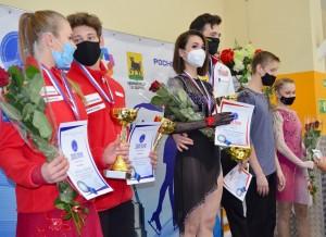Воспитанники заслуженного тренера РФ Олега Судакова завоевали золотые и серебряные награды в танцах на льду.