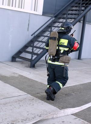 В Самаре тушили крупный пожар у ТЦ Амбар