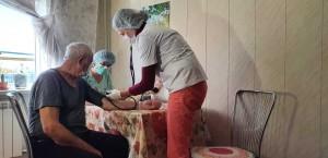 Врачи призывают самарцев старшего возраста пройти вакцинацию от COVID-19